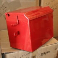 Battery Box  Battery Box with Lid Fits: I6, O6, OS6, Super W6 (up to SN: 9084), Super WD9, Super WDR9, W6, W9, WR9, [ 600, 650 (both diesel) ]; Replaces: 60700D